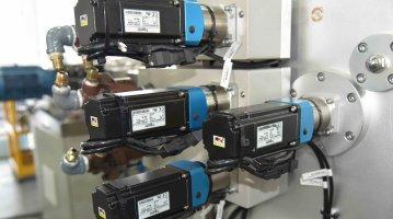 Lab Small Calender Machine-rolls drive