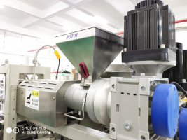 Lab small multi layer cast film line-driver